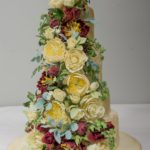 Weddnig cake with sugarcraft flowers
