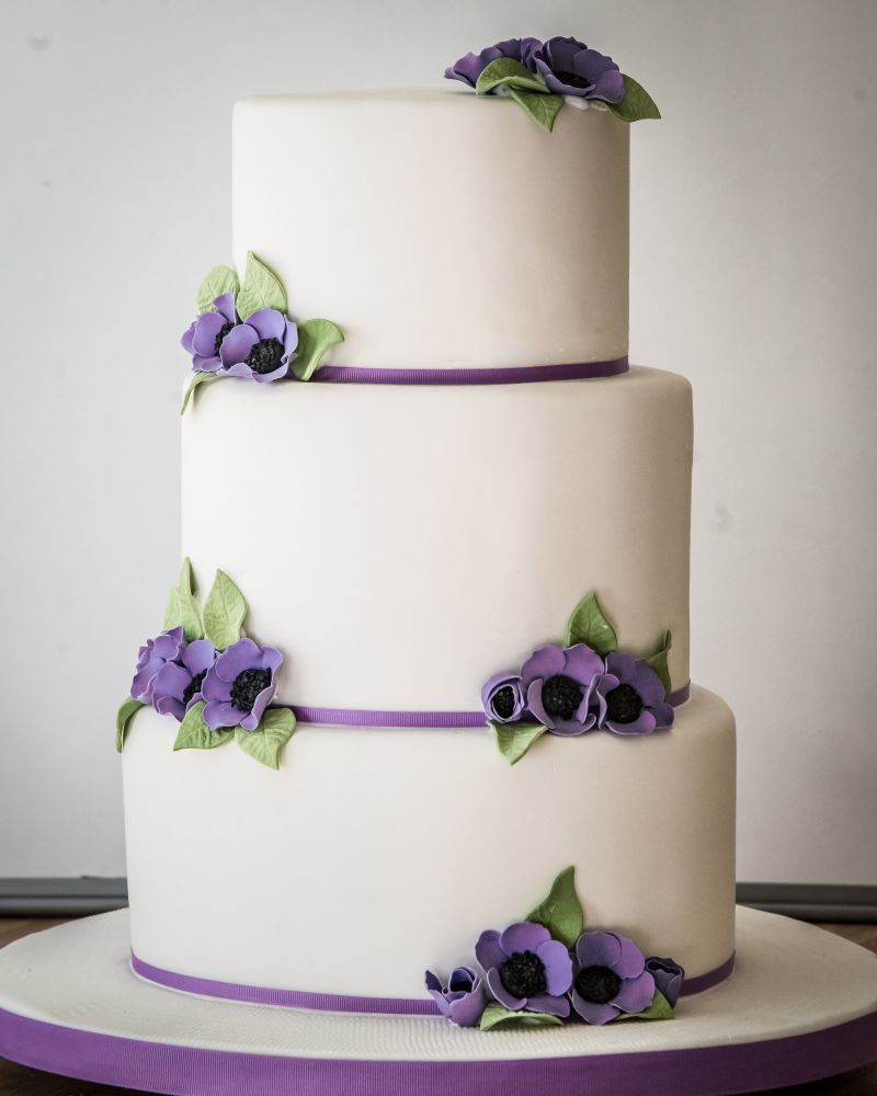 Wedding cake suffolk